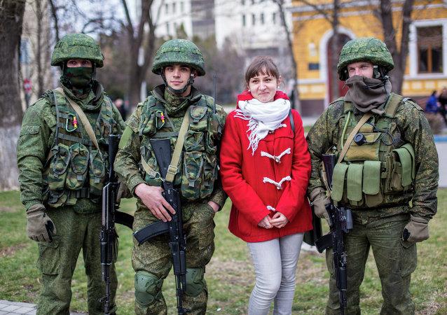 Militares rusos en Simferópol, 1 marzo, 2014