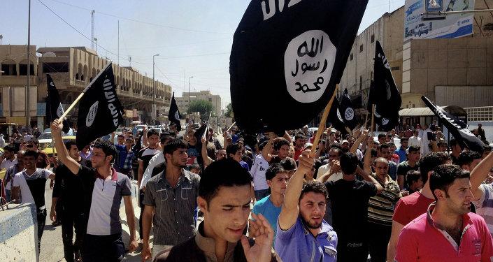 Partidarios del grupo yihadista Estado Islámico en Mosul (Archivo)