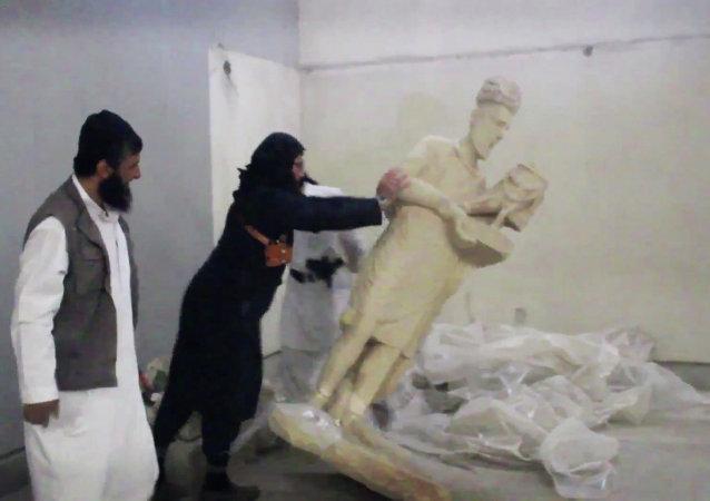 Desde finales de febrero el EI ha escalado sus ataques contra el rico patrimonio iraquí