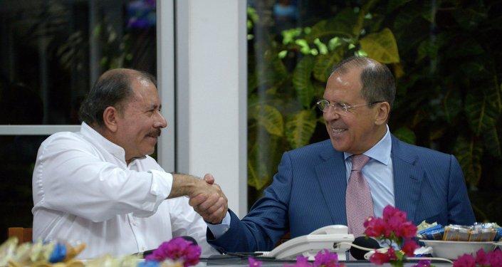 El ministro de Exteriores ruso, Serguéi Lavrov, y el presidente de Nicaragua, José Daniel Ortega (archivo)