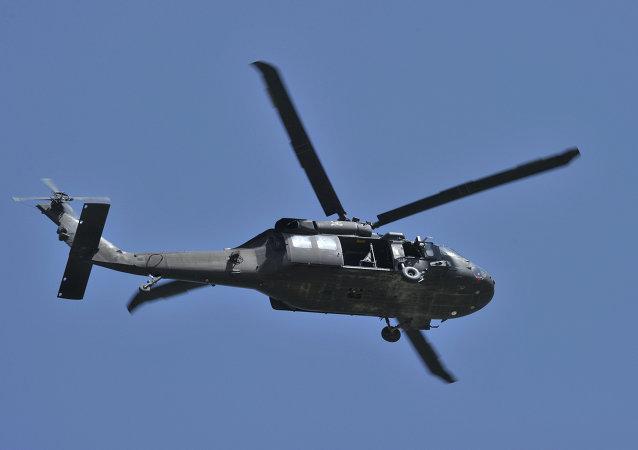 Helicóptero UH-60