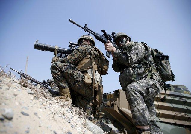 EEUU y Corea del Sur inician maniobras militares conjuntas Foal Eagle (archivo)