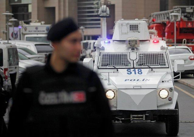 Liberan al fiscal secuestrado por terroristas en Estambul