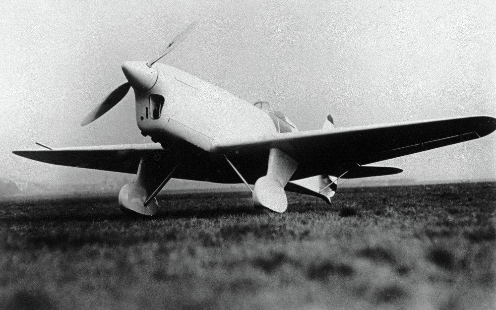 El avión Yak-21, uno de los modelos deportivos desarrollados por Alexandr Yákovlev
