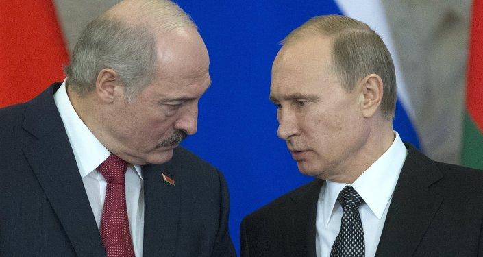 Alexandr Lukashenko, presidente de Bielorrusia, y Vladímir Putin, presidente de Rusia (archivo)