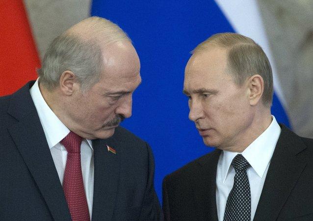 Presidente de Bielorrusia, Alexandr Lukashenko, y el presidente de Rusia, Vladímir Putin