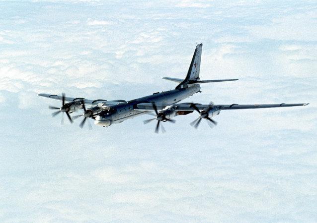 Encuentro entre cazas británicos y un bombardero ruso