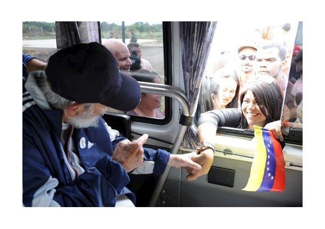 Fidel Castro durante un encuentro con un grupo de venezolanos