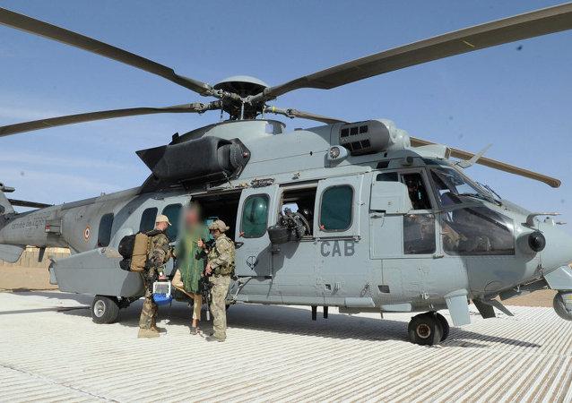 Las fuerzas especiales del Ejército francés liberaron este lunes en Mali a un rehén holandés, Sjaak Rijke, capturado en 2011 por los combatientes de Al Qaeda del Magreb