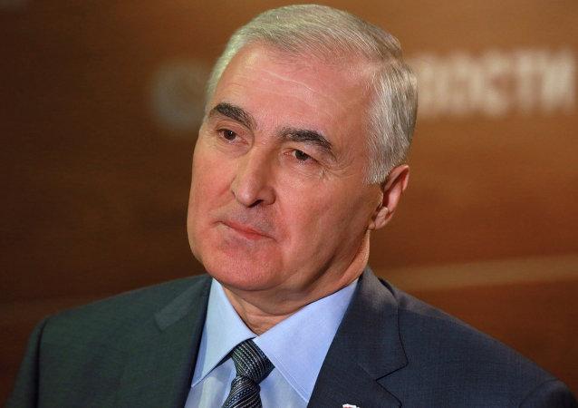Presidente de Osetia del Sur Leonid Tibìlov