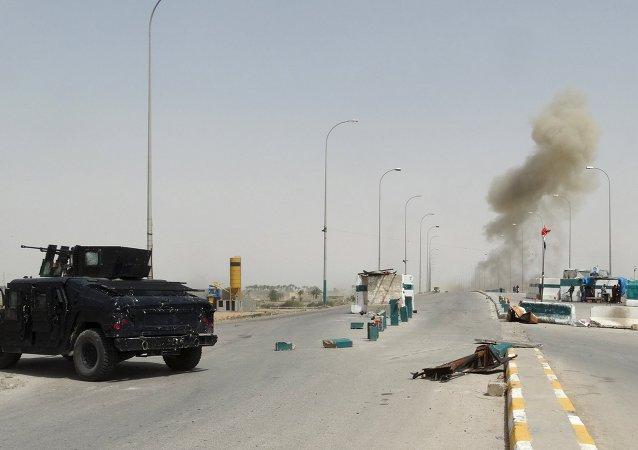 Enfrentamientos entre las fuerzas de seguridad iraquíes y los militantes de  Estado Islámico