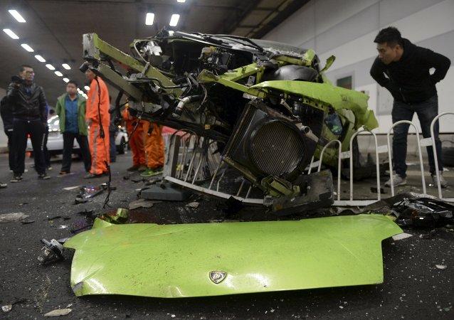 Accidente de un Lamborghini y un Ferrari en Pekín
