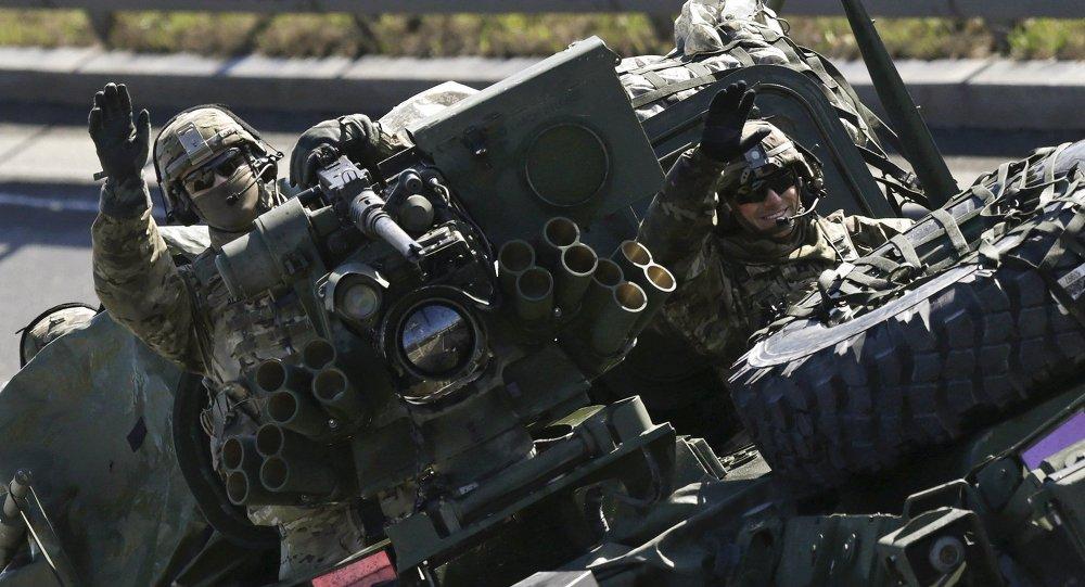 Soldado estadounidense durante las maniobras de la OTAN