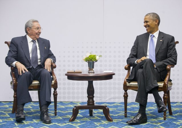 Raul Castro, presidente de Cuba, y Barack Obama, presidente de EEUU en el cumbre de las Américas
