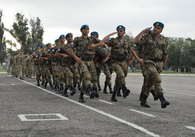 Militares kazajos
