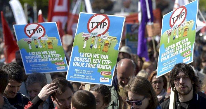Europa se levanta contra el TTIP