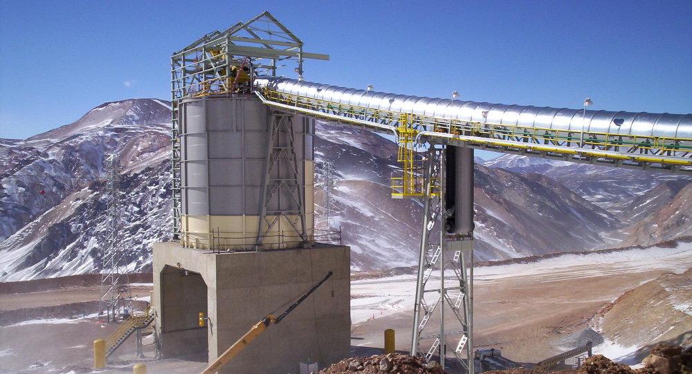 Actividad minera en la Cordillera de los Andes en la provincia argentina de San Juan