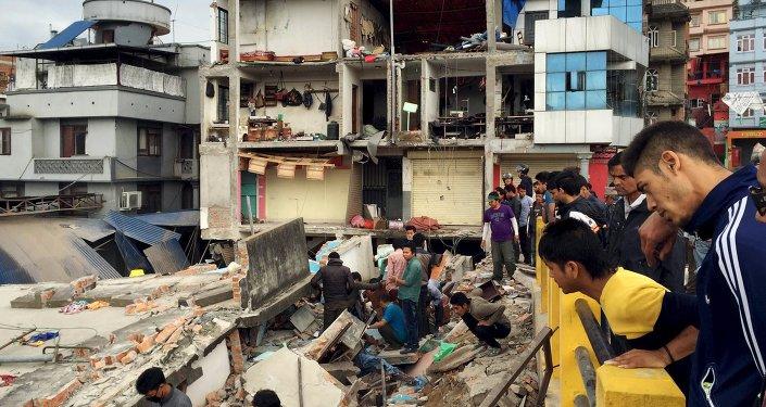 Los muertos por el terremoto en Nepal superan ya los 1.800