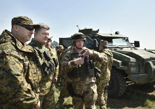 Secretario del Consejo de Seguridad Nacional y Defensa de Ucrania  Alexandr Turchínov y presidente de Ucrania Petró Poroshenko