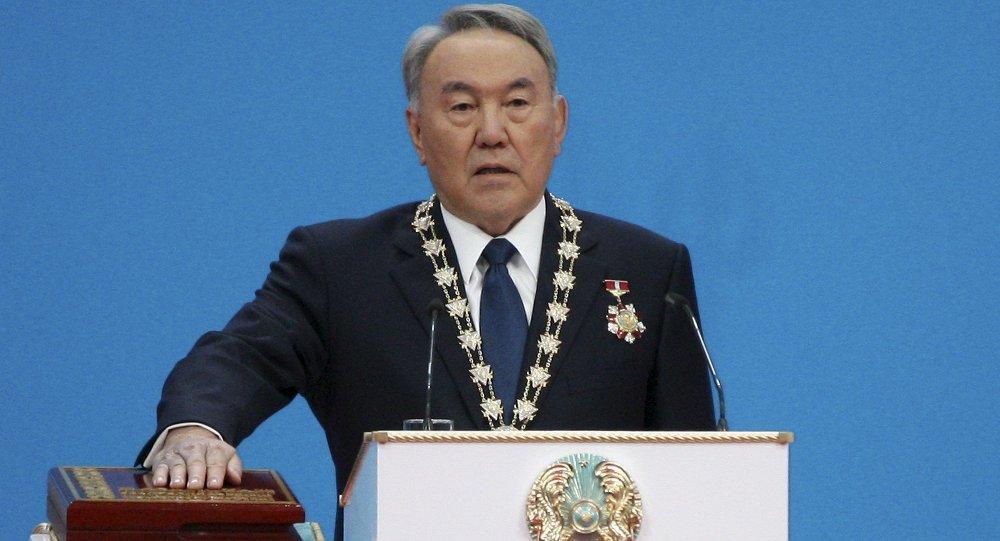 Nursultán Nazarbáev, presidente reelecto de Kazajistán