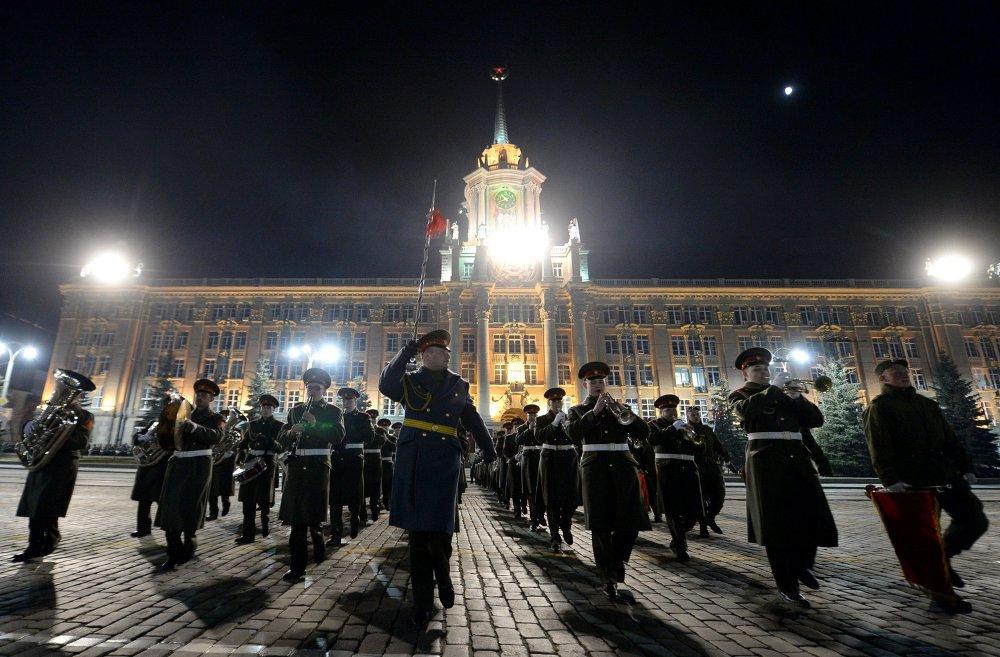 Ciudades de Rusia ensayan el Desfile de la Victoria