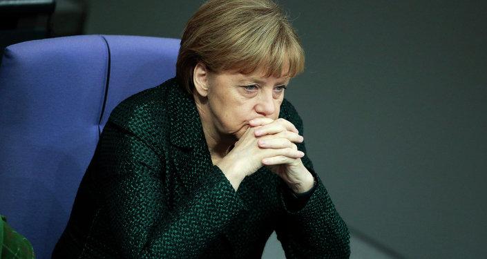 Según datos que yo manejo, la política de Merkel hacia Rusia ha llevado a la bancarrota de 90 empresas en el país, dijo Franz Wiese