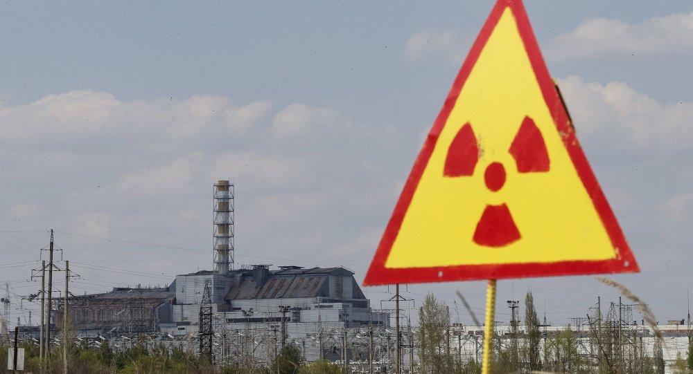 Cubren con un sarcófago protector un generador de Chernóbil