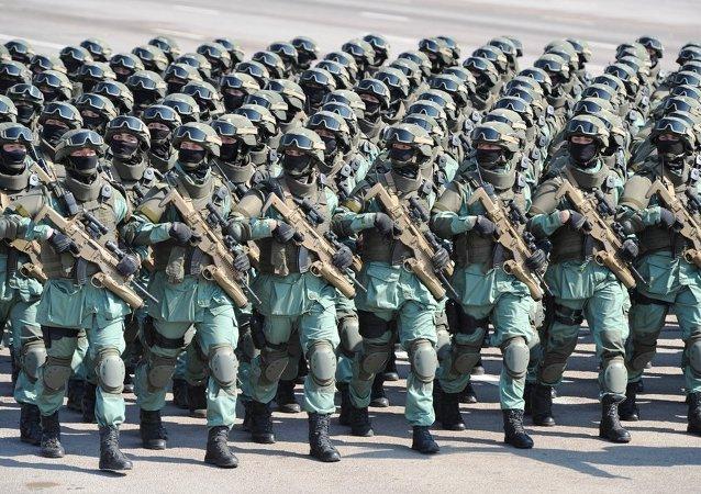 Kazajistán celebró su día del Ejército con el mayor desfile de la historia del país