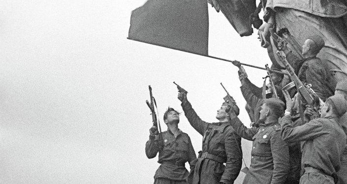 Vicepresidente de Uruguay destaca el rol del pueblo soviético en la derrota del nazismo