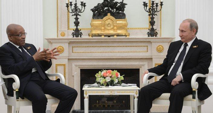 Presidente de Sudáfrica, Jacob Zuma y presidente de Rusia, Vladímir Putin