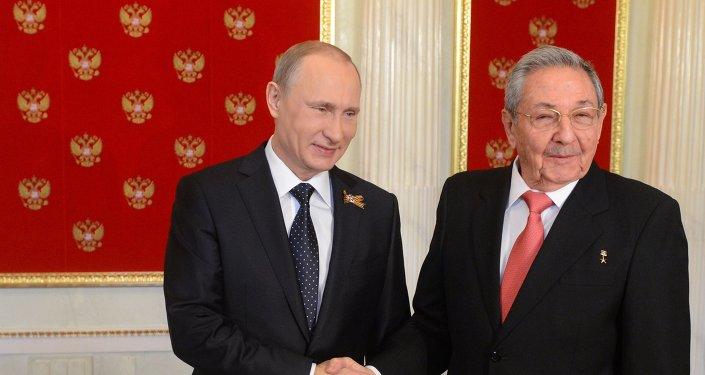 Presidente de Rusia, Vladímir Putin, y presidente de Cuba, Raúl Castro