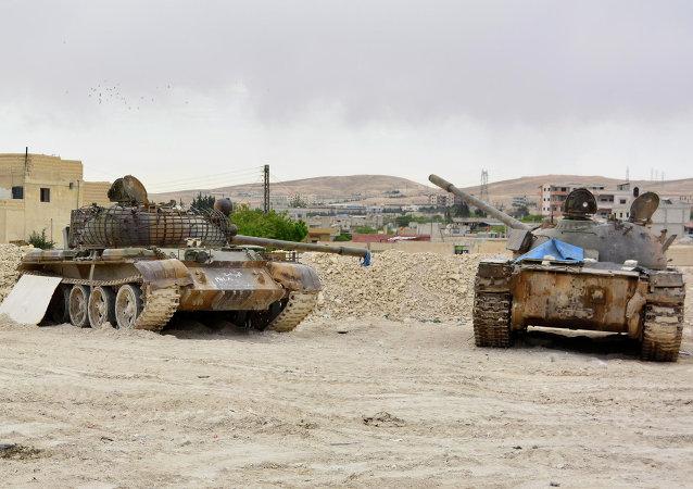 Tanques del Ejército sirio en una de las aldeas de la región de Kalamun, en la frontera sirio-libanesa. 9 de mayo de 2015