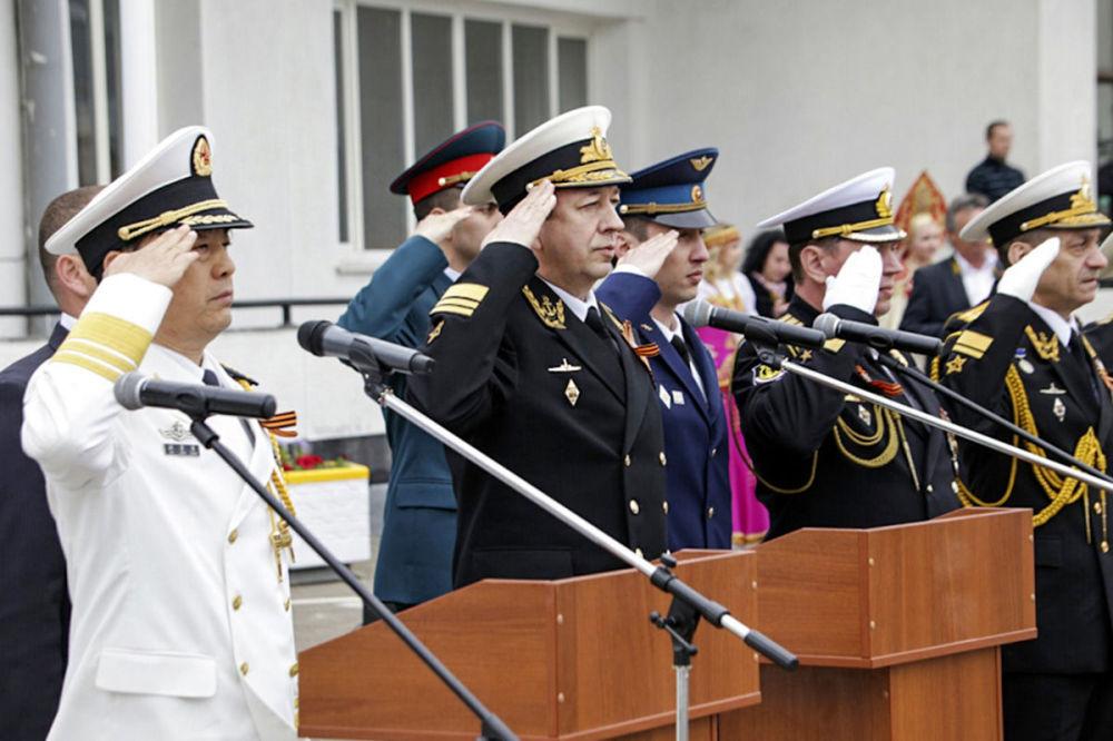 Rusia y China inauguran las maniobras Cooperación Naval 2015
