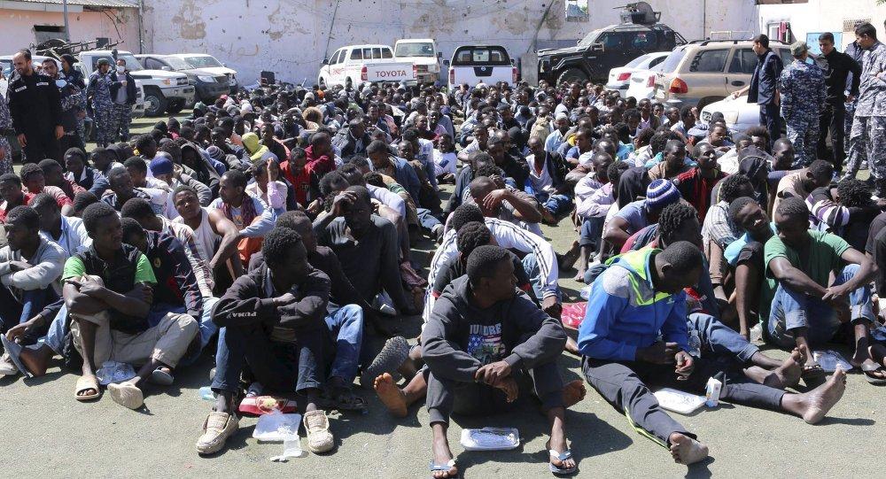 Centro de detención de inmigrantes ilegales en Tripoli (Libia). 17 de mayo de 2015