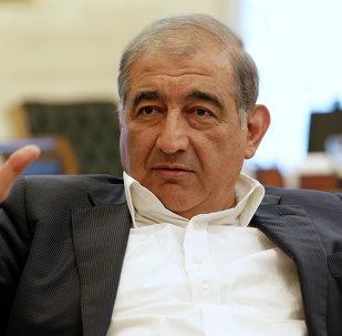 Qadri Jamil, miembro del Frente Popular por el Cambio y la Liberación y secretario del partido Voluntad Popular,
