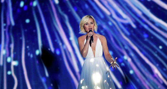 Polina Gagárina, cantante rusa