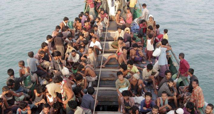 El primer ministro malasio ordena rescatar a migrantes ilegales