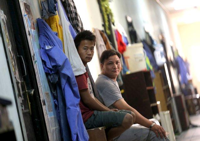 Amnistía denuncia que Catar no ha mejorado las condiciones de los trabajadores migrantes