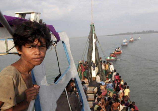 Australia debe acoger a los migrantes de Birmania y Bangladés, dice Cancillería indonesia