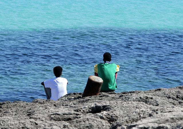 Migrantes ilegales en Lampedusa