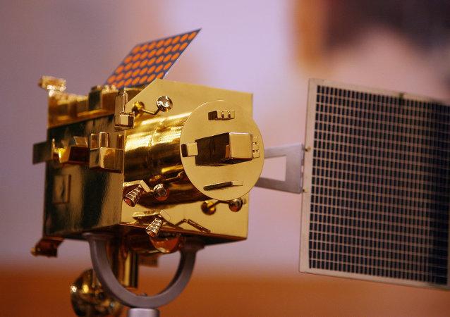 Maqueta del aparato espacial Chandrayaan-1