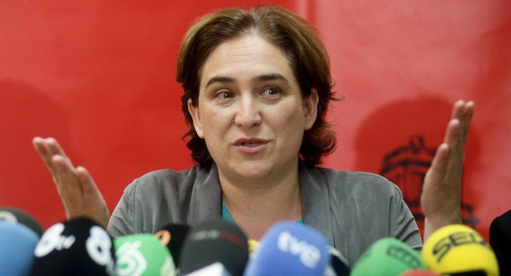 Alcaldesa de Barcelona pidió renunciar a la declaración de independencia de Cataluña