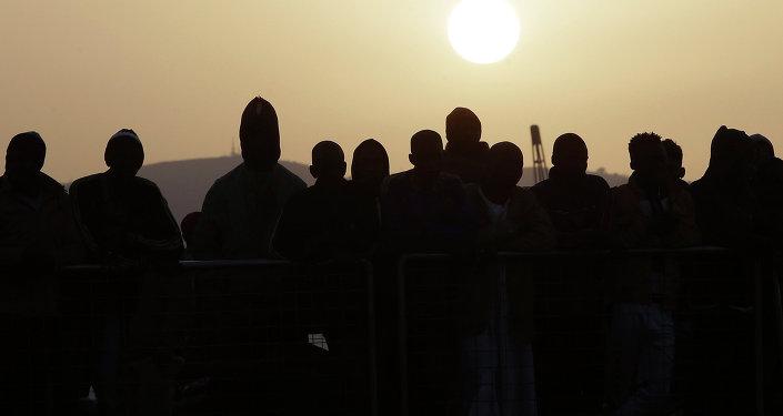 Migrantes ilegales en Sicilia