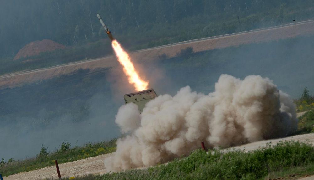 Sistema lanzallamas pesados modelo TOS-1A Solntsepiok