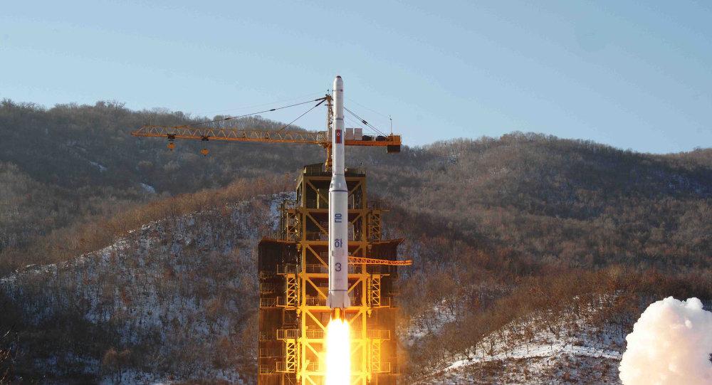 Base de lanzamiento de satélites de Sohae en Corea del Norte, cohete Unha-3 (archivo)