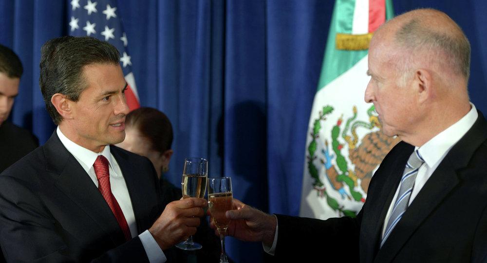 Presidente de México, Enrique Peña y gobernador de California, Edmund G. Brown