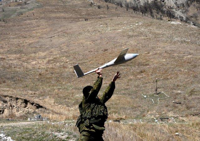 Ejercicios tácticos y especiales en los polígonos de Osetia del Norte-Alania