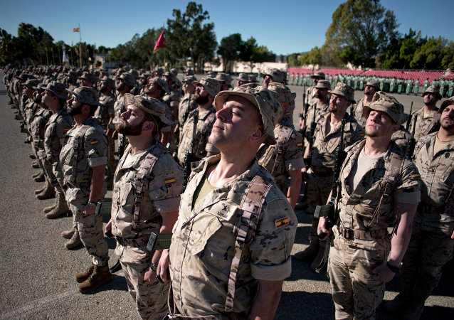 """Legión Española en la base """"Álvarez de Sotomayor"""" antes de su desplazamiento a Irak. 23 de enero de 2015"""