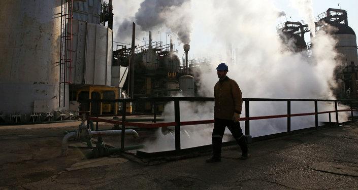 Refinería de petróleo en Irán (imagen referencial)