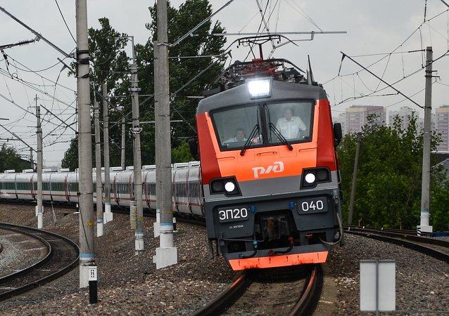 La industria española celebra la puesta de largo en Rusia de los trenes Talgo